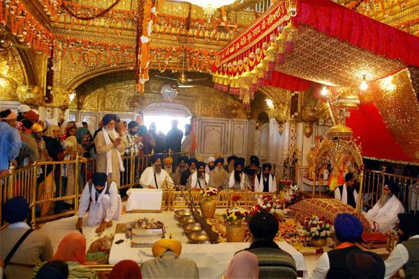 B_Id_334412_Guru_Nanak_Dev