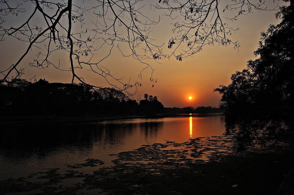 dhakuriya lake for gf bf lovers
